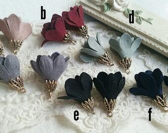 25 x 20 mm Korea Suede Fabric Flower Earring /Key chain / Mobile phone/ Tasse / accessories .  (.nm)