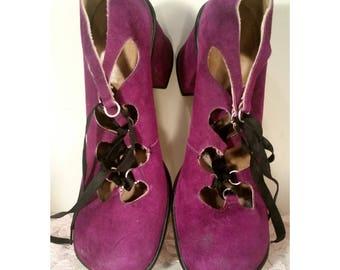 Vintage 1970s Purple Suede Pumps Block Heel Lace Front Dollies Brand Size Womens 7 Wide Brady Bunch Partridge Family Shoes