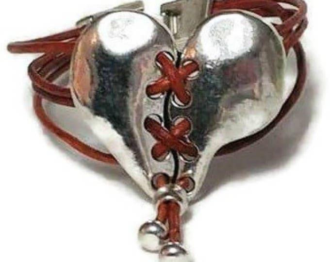 bohemian bracelet,Boho bracelet,leather bracelet,heart leather bracelet,heart bracelet, boho chic bracelet,heart jewelry, bracelet,uno de 50
