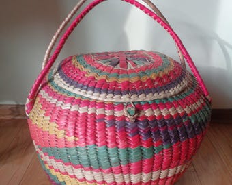 Vintage Rainbow Colored Sweet Grass Round Woven Basket with Lid Cover and two handles in Very Good Vintage Condition, A Great Storage Piece