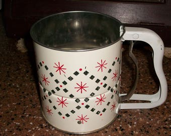 Vintage Androck 3 Screen Hand- i- Sift Sifter....Mid Century Flour Sifter...Great Condition....Retro Kitchen Sifter...Red and White