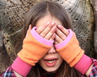 g i f t  c e r t i f i c a t e  •  Kid's fingerless gloves, mittens for kids