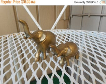Vintage Brass Pair Set of Two Mini Brass Elephant Figurines