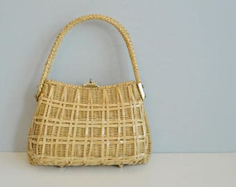 Vintage Wicker Handbag / 1960s Natural Tan Woven Basket Shoulder Bag / Summer Purse