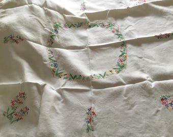 """Embroidered table cloth 32""""x32"""" Linen"""