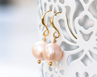 743_Bridesmaid gift earrings, Gold plated pearls earrings, Round pink pearls earrings, Natural pearls bridal earrings, Bridesmaid earrings.