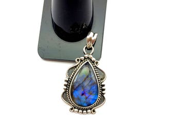 Finegemstone Sterling Silver Blue Labradorite Gemstone Cabochon Bella Style Pendant twilight movie handmade neck jewelry halloween gift
