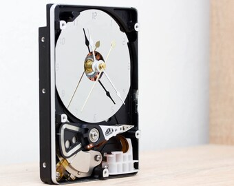 Desk clock - recycled Computer hard drive clock, HDD clock, gift for dad, unique gift for him, graduation gift - c9258
