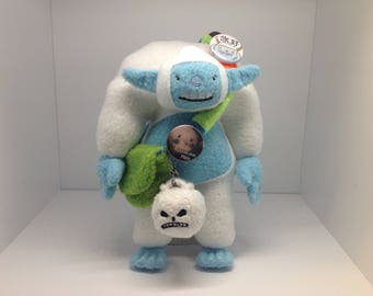 Humble Yeti with Bag of Holding and Skull - Plush