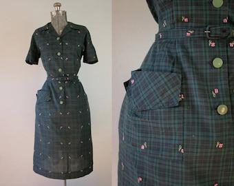 1950's Green Plaid Shirtwaist Dress / Size Large