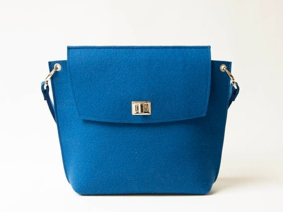 Wool Felt FLAP BAG / blue tote bag / blue bag / womens bag / felt shoulder bag / elegant bag / made in Italy