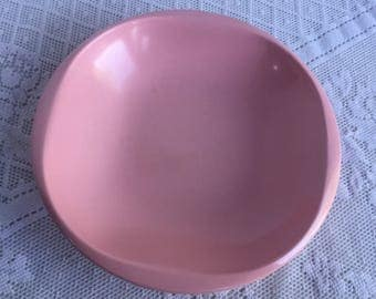 Melamine Pink Melmac Serving Bowl / Vintage  Kitchen Dish by Boontonware