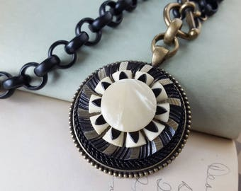 Deco, Super Chunky Necklace Deco Black & Cream Carved Celluloid Button Necklace, WOWZA Large Pendant Vintage Button Jewelry veryDonna