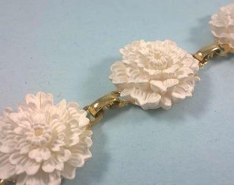 Vintage White Flower Bracelet - Gold tone Faux Bone Floral Link Jewelry 1960s