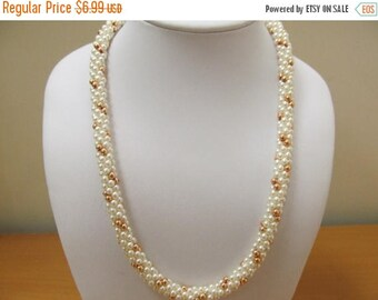 ON SALE Vintage Woven Faux Pearl Necklace Item K # 2309