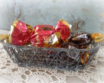 vintage wire basket candy dish soap dish storage accessories basket rustic primitive cottage decor metal basket