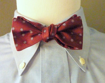 RARE Vintage 1960s Brooks Brothers Floral Foulard Pattern on Maroon Trad / Ivy League Adjustable Self Tie Bat Wing Bow Tie.