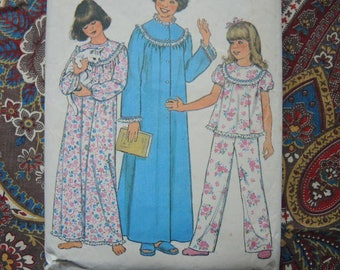 vintage 1970s Simplicity sewing pattern 8127 girls nightgown pajamas and robe size XL