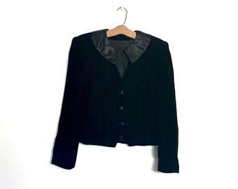 Vintage Black Velvet Jacket with Peter Pan Collar 70's Jacket 80's Jacket Victorian Jacket Edwardian Jacket Steampunk Jacket Black Jacket L