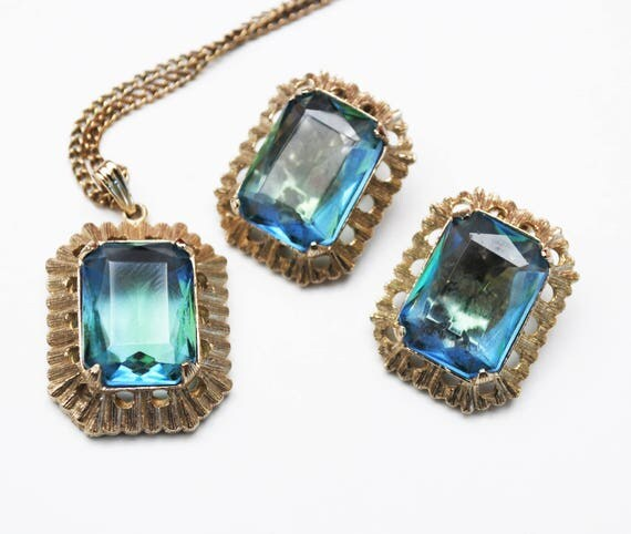Blue Green Glass Pendant Necklace Earrings Set - Givre glass - Open back - gold - clip on earrings Jewelry set