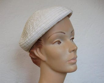 Summer Clearout Cream 1960's Beret Style Hat// Pleats// Bow