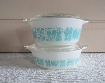 Pair Amish Butterprint Pyrex Casserole Dishes 471 and 472 with Lids, Turquoise and White Pyrex