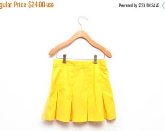 ON SALE 80s Yellow Pleated Tennis Skirt Women's Size 4 Small Pebble Beach