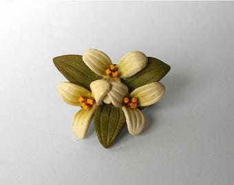 CIJ SALE Vintage Brooch Pin Leather Trillium grouping