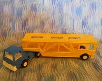 1970 Tootsietoy Auto Transporter Car Carrier Truck Toy