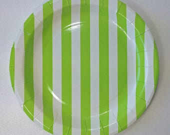 8 round paper plates Green striped pattern
