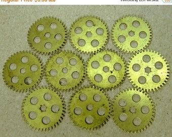 ON SALE Brass Clock Gears Wheels - Steampunk Jewelry Findings - set of 10 - G16