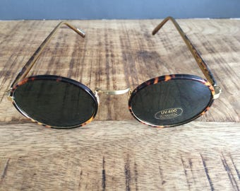 Vintage Tortoiseshell and Yellow Gold Oval Sunglasses