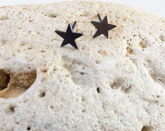 Stud star earrings - oxidazed silver star earrings - tiny stars earrings - small stars earrings - delicate star jewelry -cute star earrings