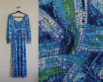 Vibrant Blue Abstract Printed Long Nylon Knit Dress ||| 1970s ||| Medium ||| Maxi Dress