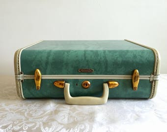 Rare, robin egg blue, early 1950s travel case, Samsonite, hatdshell and brass fixtures