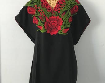 Vintage Black Cotton Floral Embroidered Mexican Bohemian Festival Blouse Tunic Top XL