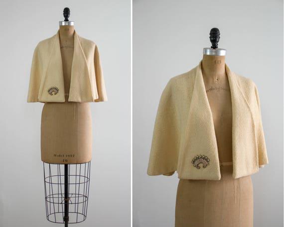 vintage 1940s wool cape | ivory capelet | white cape | short cape | 40s 50s cape
