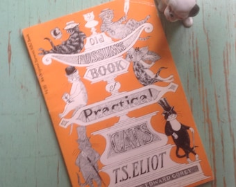 Old Possum's Book of Practical Cats, Edward Gorey, T S. Eliot, Basis of Musical CATS, 1982 First Edition, Paperback Gift Display Collection