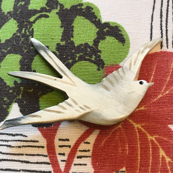 1940s brooch vintage novelty swallow brooch carved horn pearly bird interest flying 1930s brooch vintage jewellery