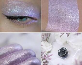 Eyeshadow: Minstrel - MoonElf. Light pink-purple shimmering eyeshadow by SIGIL inspired.