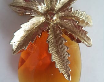 Vintage  Sarah Coventry Goldtone Pineapple Brooch/Pin