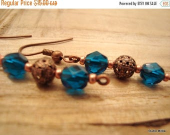 ON SALE Copper Earrings, Filigree Earrings, Dark Blue Glass Earrings, Beaded Earrings, Bohemian, Boucles Oreilles Cuivre, Bijoux, montreal