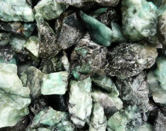 Bulk 1lb Raw Emerald Gemstones, Bulk Wholesale Rough Green Emerald Rocks Stones, Tumbled Gemstones, 1 Pound Emerald Gemstone Lot Wholesale