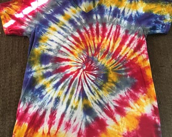 Spiral Tie Dye Adult V-Neck Large
