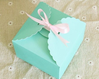 25x Mint Green Paper Boxes | Bomboniere Favour Box | Wedding & Party Easter Gift Box for Chocolate Bakery Cookie Candy 9x9x6cm