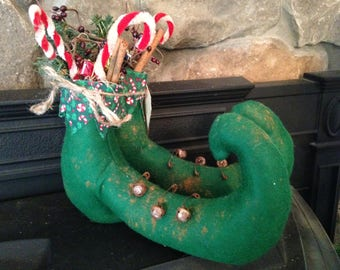 Primitive Pair of Elf Shoes, Elf Boots filled with Candy Canes, Greenery and Cinnamon Sticks, Handmade Elf Shoes
