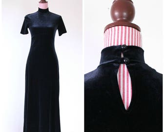 Vintage 1990s Dress / Black Velvet / Long / Hugs curves