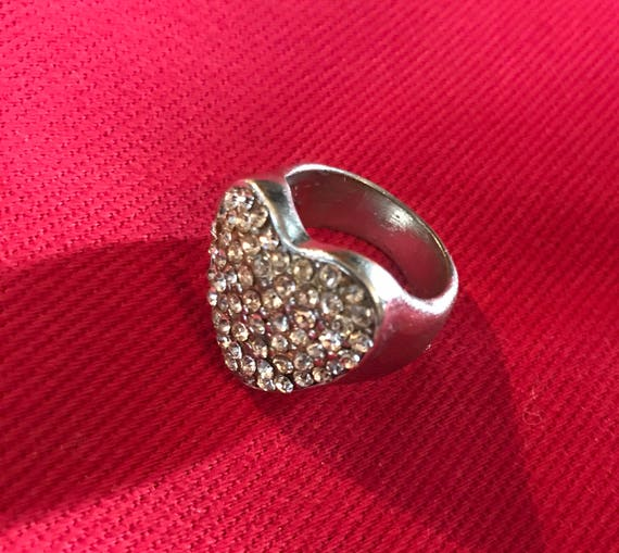 Vintage Heart of Ice Rhinestones Silvertone 80s Bling Ring size 6