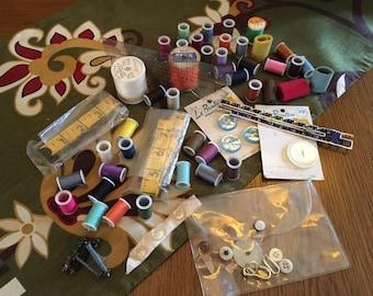Bundle of Vintage Sewing Items