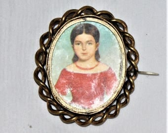 Vintage large brooch with child's picture